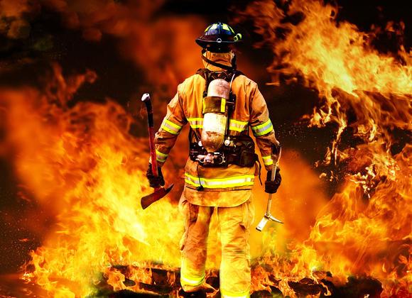 https://www.motopompe-incendie.com/wp-content/uploads/2015/03/Pompier-feu_xx-large.jpg