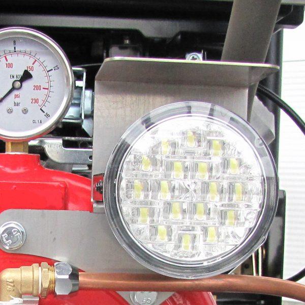 projecteur de travail sur motopompe incendie