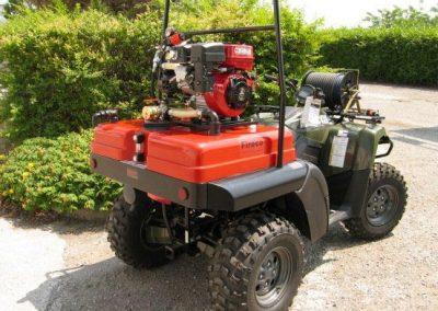 Kit haute pression monté sur quad pour première intervention dans un camping