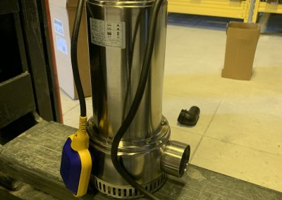 submersible electric pump with float