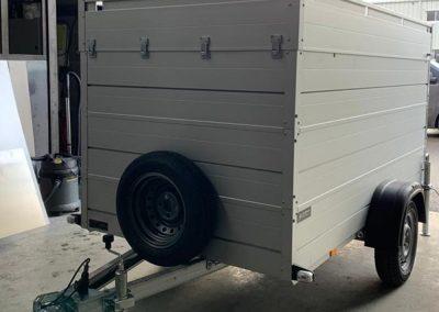 Remorque incendie sur deux essieux