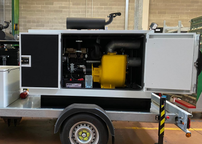 pump unit with casing and intervention pump